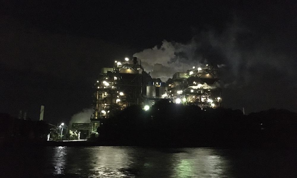 南渡田運河から見る工場夜景のイメージ画像